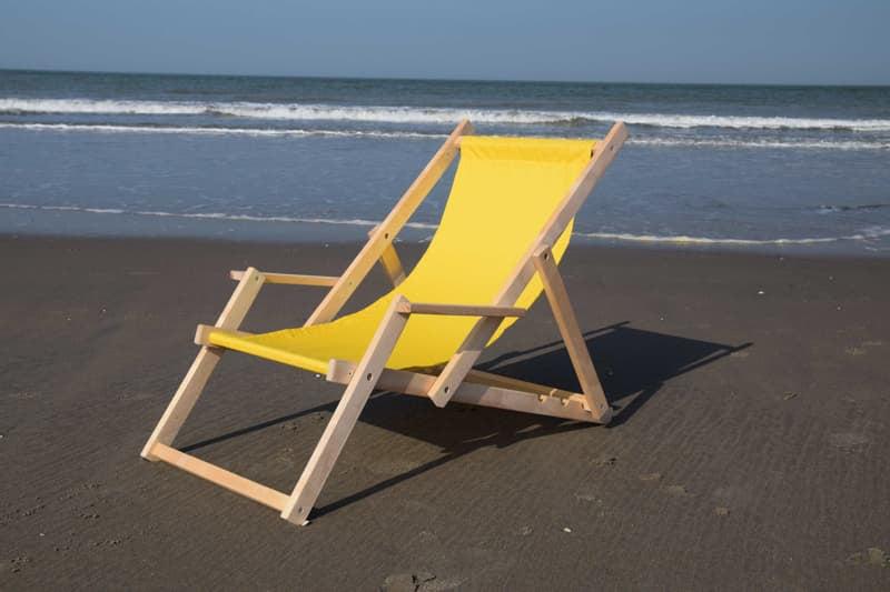 Strandstoel Met Armleuning.Sterke Houten Strandstoelen Met Logo Zonnestoel Nl