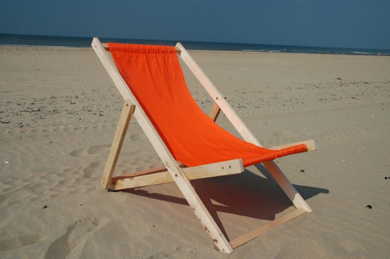 Houten Strandstoel Met Armleuning.Opvouwbare Strandstoel Zonnestoel Nl